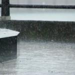 転職活動は雨の日でもする?面接など対策することは?